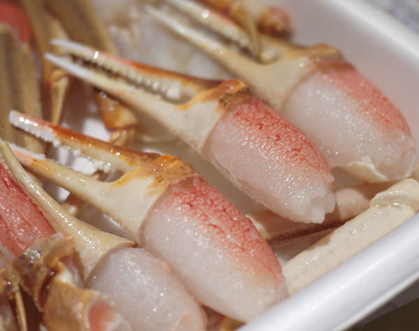 ますよね カット済みズワイ蟹 解凍した爪部分