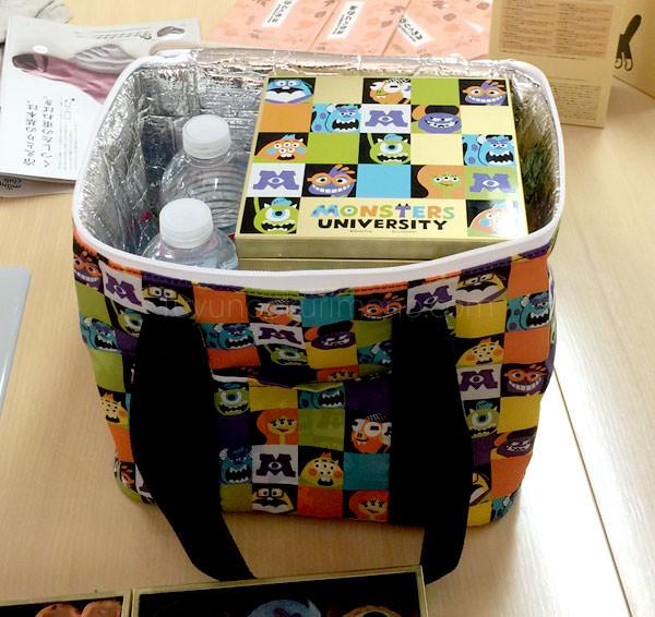 ベルメゾン ディズニーおせち モンスターズ・ユニバーシティ四段重 保冷バッグに入れた状態