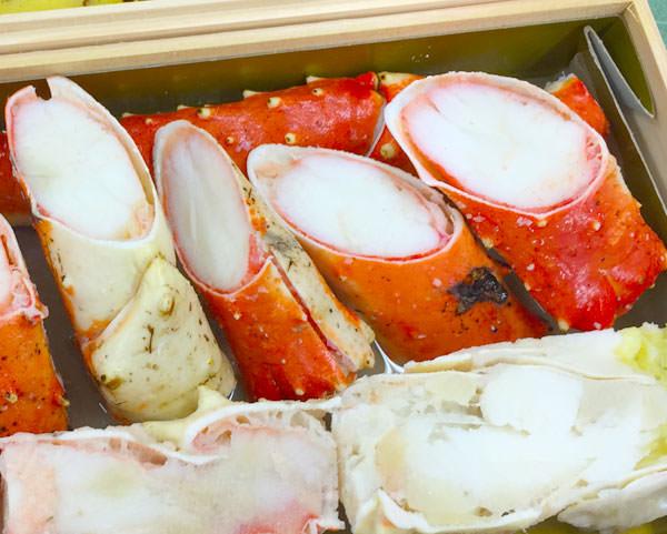 甲羅 おせち料理「雅」のタラバガニ