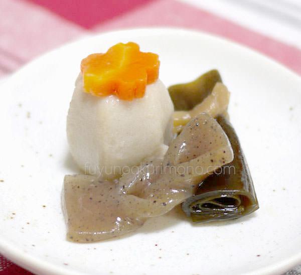 「セコムの食」の手作り和風おせち お試しセット お煮しめ 里芋、昆布巻きなど