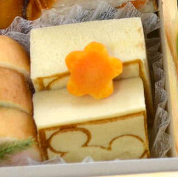 高野豆腐にはミッキーマウスの焼き印