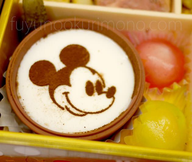 「ミッキーミルク風プリン」