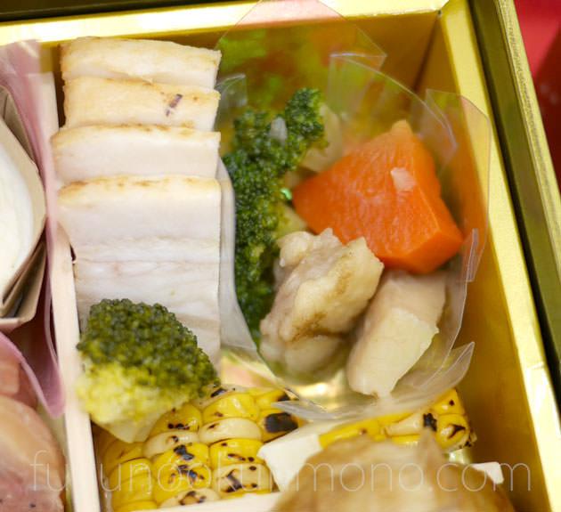 「豚の塩麹焼」「鶏肉と野菜の香味ソ-ス」「焼きとうもろこしテリーヌ」