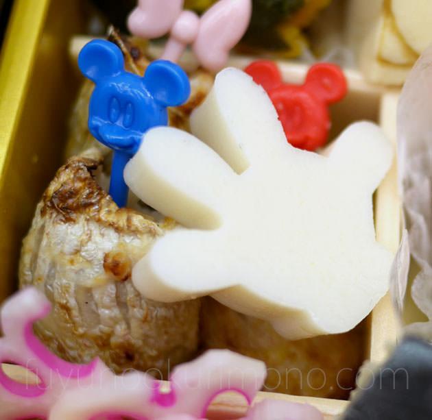 「小鯛ひしお焼」や、ミッキーマウスの手の形をした「蒲鉾」