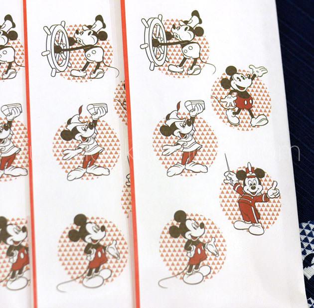 祝い箸に描かれた歴代のミッキーマウス