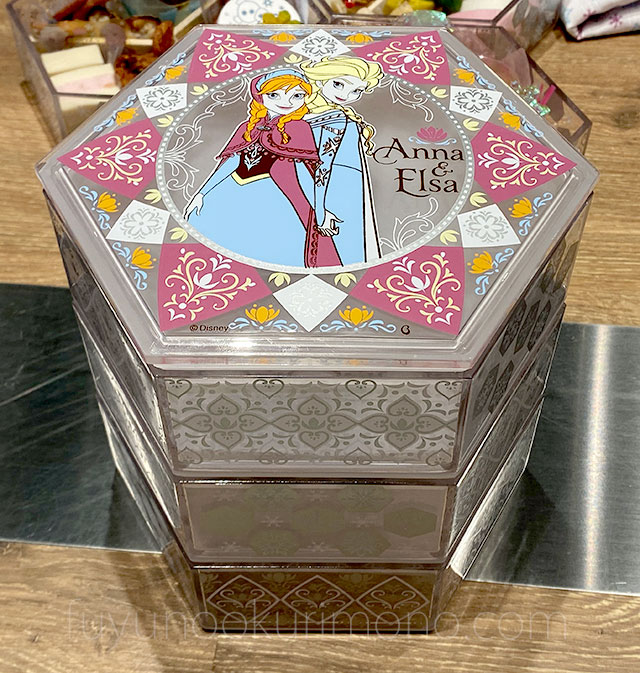 アナと雪の女王 三段重 重箱を積み重ねた画像
